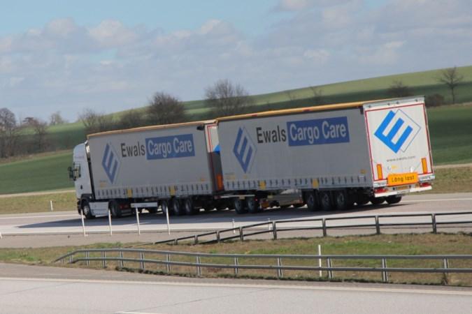Nieuwe megatruck tussen Venlo en Rotterdam: 'De mijne is 32 meter lang'