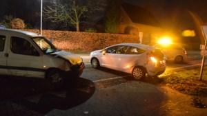 Botsing met twee auto's: een persoon gewond
