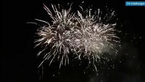 Video: Vuurwerkverkoper in Hoensbroek viert jubileum en geeft buurt gratis knalfeest