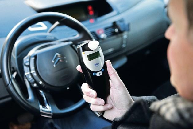 Een op de vijf jonge mannen zit wel eens dronken achter het stuur