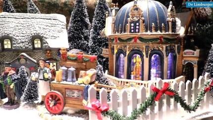 Video: Jac uit Ospel bouwt mega kerststad in zijn huis