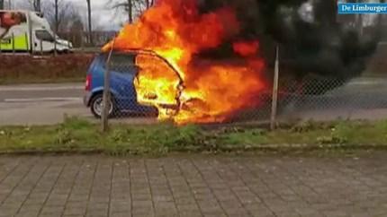 Heldendaad: Man redt vrouw en kind uit brandende auto bij luchthaven Maastricht