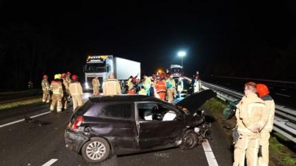 Traumaheli landt op A2 na zwaar ongeval: vrouw met ernstige verwondingen naar ziekenhuis