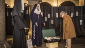 Nachtmis bij Blauwe Zusters: voorlezen uit dagboeken over Kerstmis 1944 in de kloosterkelders van Steyl