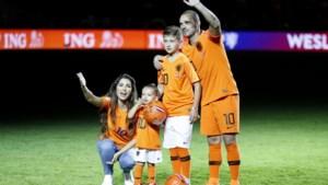 Van Marwijk en Mourinho coachen sterrenteams bij afscheidswedstrijd Wesley Sneijder