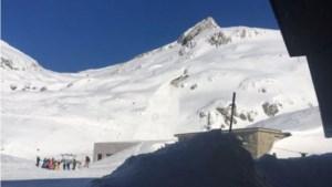 Lawine treft skipiste in Zwitserland, skiërs bedolven onder sneeuw