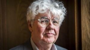 Aangifte tegen Geert Mak wegens spoorlopen