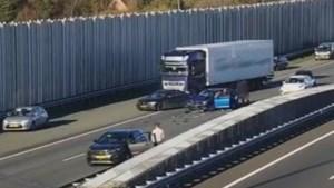 A2 bij Eindhoven dicht na ernstig ongeluk met vrachtwagen