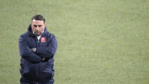 MVV-coach Usta: 'Ik heb beginnersfouten gemaakt'