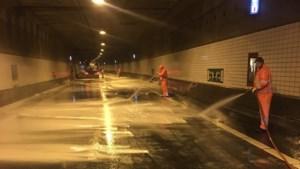 Schoonmaak Roertunnel is volop bezig, maar duurt nog uren
