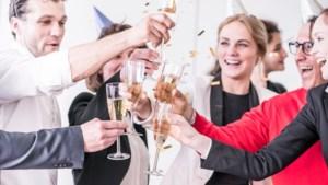 Nieuwjaarszoenen op werk ongemakkelijk? Niet met deze tips