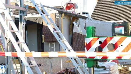 Video: Man gewond na val van muur bij woning in aanbouw