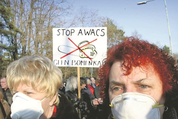 Lawaaiprotest tegen Awacs aangekondigd bij komst staatssecretaris naar Schinveld