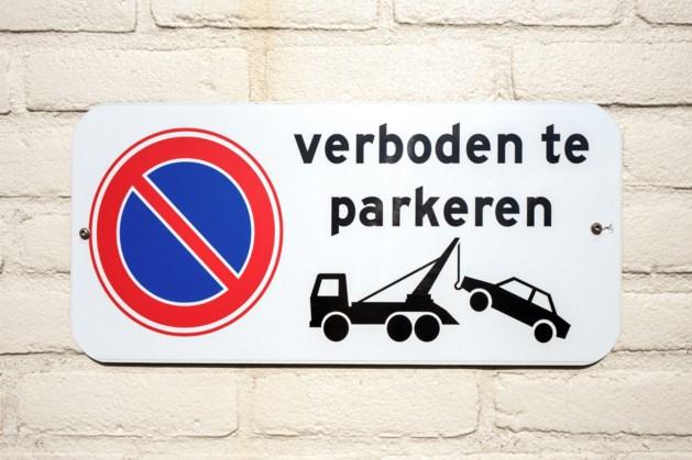 Parkeerverbod bij basisschool De Klimop in Bergen