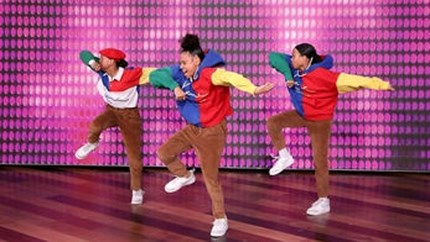 Video: Dansende zusjes uit Meerssen stelen opnieuw de show bij Ellen