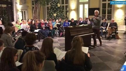 Video: Na de repetitie zingt het Universiteitskoor Maastricht gewoon door in het café