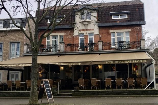 Dieven eten koek en stelen laptop en sterke drank in hotel in Kanne
