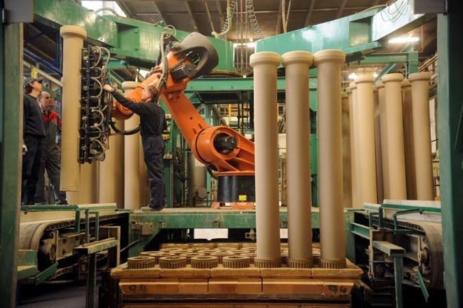 Opslaglocatie Thijssen Emans op plek oude gresbuizenfabriek Belfeld