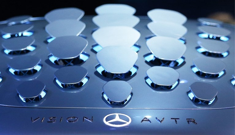 Mercedes brengt de auto tot leven: AVTR