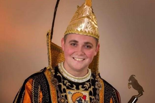 Prins Colin I van de Bokkeriejesj uit Heerlerheide speelt de Boléro tijdens wereldtournee André Rieu