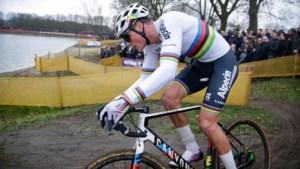 Mathieu van der Poel onbedreigd naar zesde nationale titel