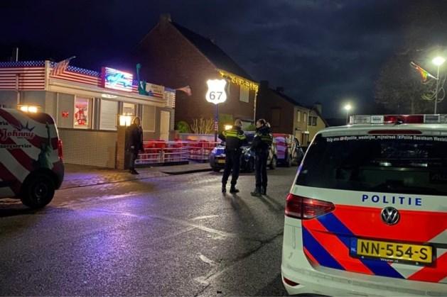 Gemaskerde mannen overvallen cafetaria en slaan op de vlucht