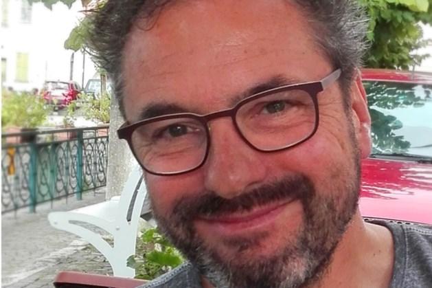 Carnavalsonderscheiding Alde Knoeper voor Rob van den Beuken