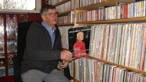 Verzameling met 6500 keer 'Stille Nacht' van overleden Meerlonaar gaat naar museum