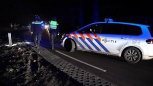 Bestuurder slaat op de vlucht na crash met auto