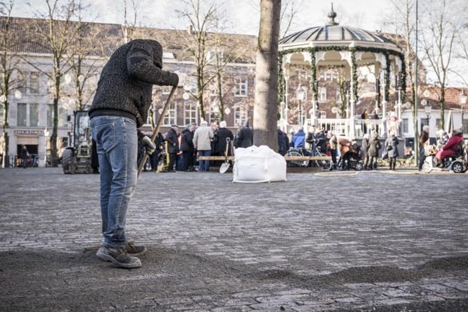 Vernieuwd Munsterplein in Roermond heropend: 'Het eigen karakter is gelukkig gebleven'