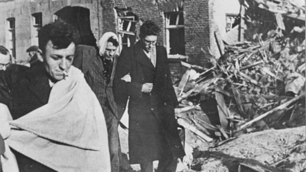Els (3) wees door verwoestende bombardementen op Montfort