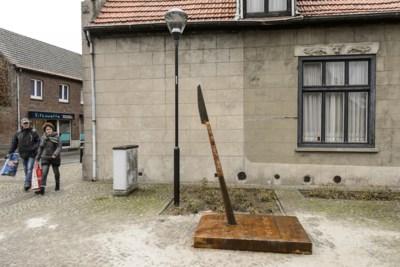 Bewoner baalt van speer voor raam en sleept gemeente Nederweert voor de rechter