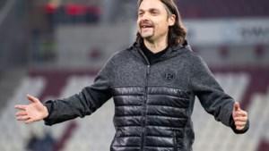 'Vliegende keeper' Lutz Pfannenstiel actief op zes continenten: 'Ik wilde spelen, desnoods in het oerwoud of op de Noordpool'