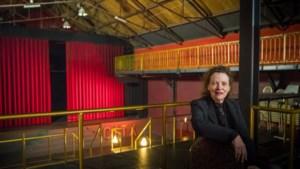 Tieneke woont al elf jaar in een 'sleeping beauty': de leegstaande City bioscoop in Venlo