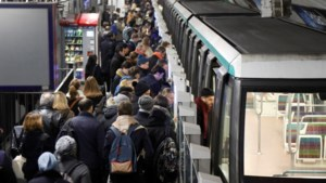 Staking in metro Parijs maandag beëindigd