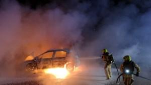 Auto brandt volledig uit in Swalmen