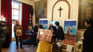 Wijn, wafels en kunst om Sittardse kerktoren in de steigers te zetten