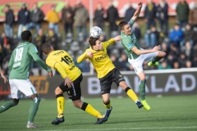 VVV stunt bijna tegen zwak PSV; Dumfries dompelt Koel in rouw: 1-1