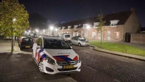 Twaalf mannen schoppen en slaan autobestuurder en nemen zijn BMW mee in Eindhoven