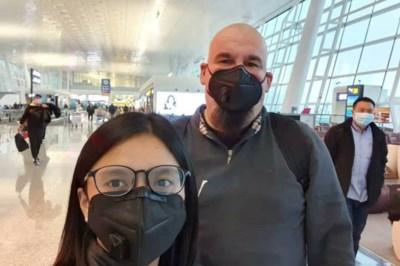 David (50) is kroegbaas in 'spookstad' Wuhan: 'Er is hier veel paniek'