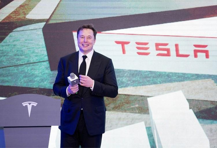 Tesla-topman Elon Musk kan 5o miljard euro aan opties opstrijken