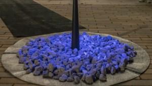 Holocaustmonument op plein Sint Odiliënberg onthuld