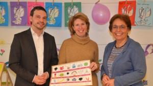 Peuters in Heerlen krijgen placemat met leesplankje