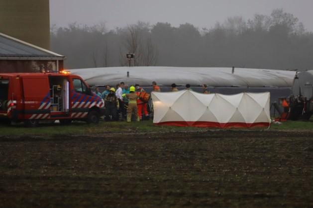 Brandweer zoekt naar twee vermisten in gierput Oostrum