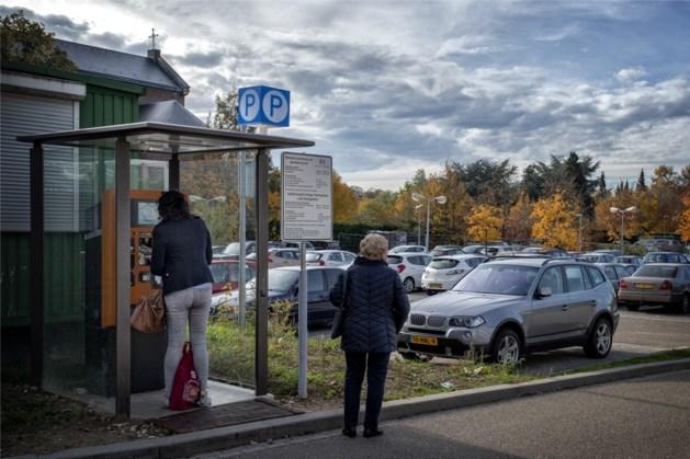 Cameraparkeren bij Atriumterrein Kerkrade hersteld na aanrijding, gratis parkeren voorbij