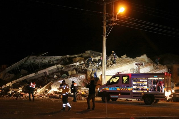 Zware aardbeving in Zuidoost-Turkije: 14 doden en 315 gewonden