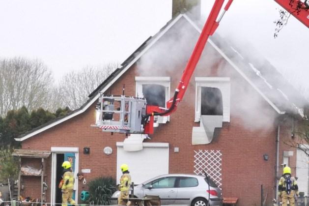 Drie doden bij woningbrand in Duiven, recherche doet onderzoek