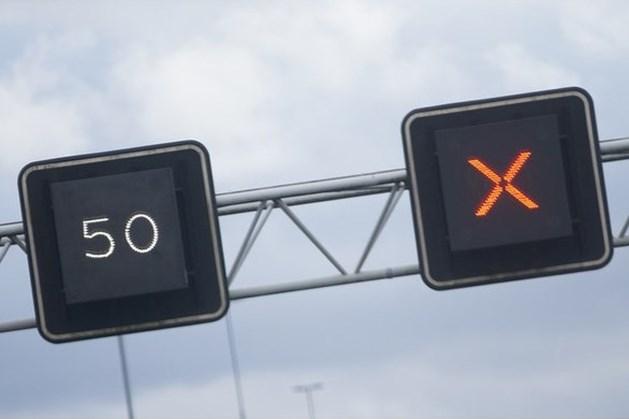 Recordaantal boetes voor negeren rode kruisen