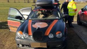 Nederlandse vriendengroep woest op Duitse politie: 'Als criminele straatracers behandeld!'
