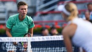 Tennisster Schuurs onderuit tegen Amerikaanse tieners